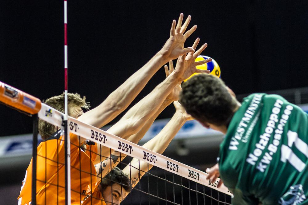 Derby im Volleyball - Berlin Recycling Volleys gegen Netzhoppers Königs Wusterhausen - Max-Schmeling-Halle - Volleyball